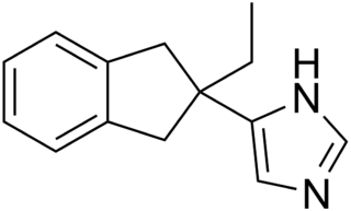 アチパメゾールの化学構造